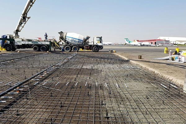 بتن ریزی فرودگاه مهرآباد