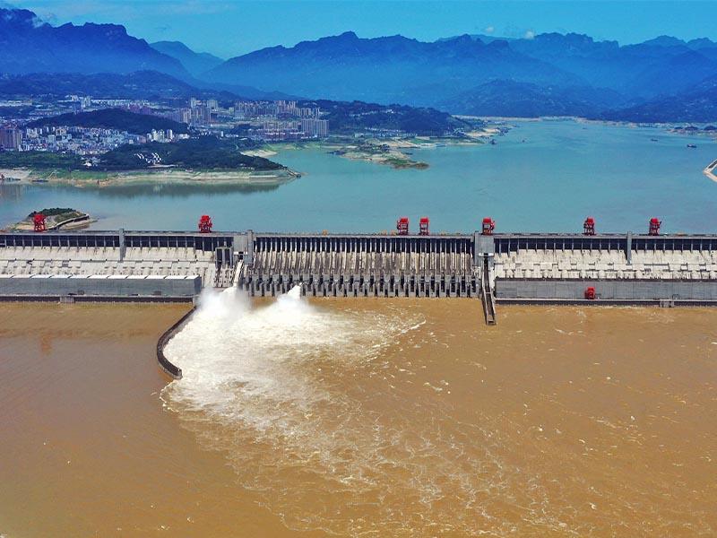 سد سه دهانه چین